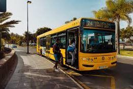 Guaguas Municipales Yellow Bus