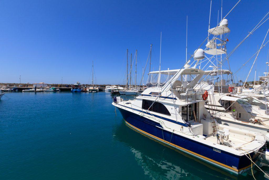 Pasito Blanco yacht